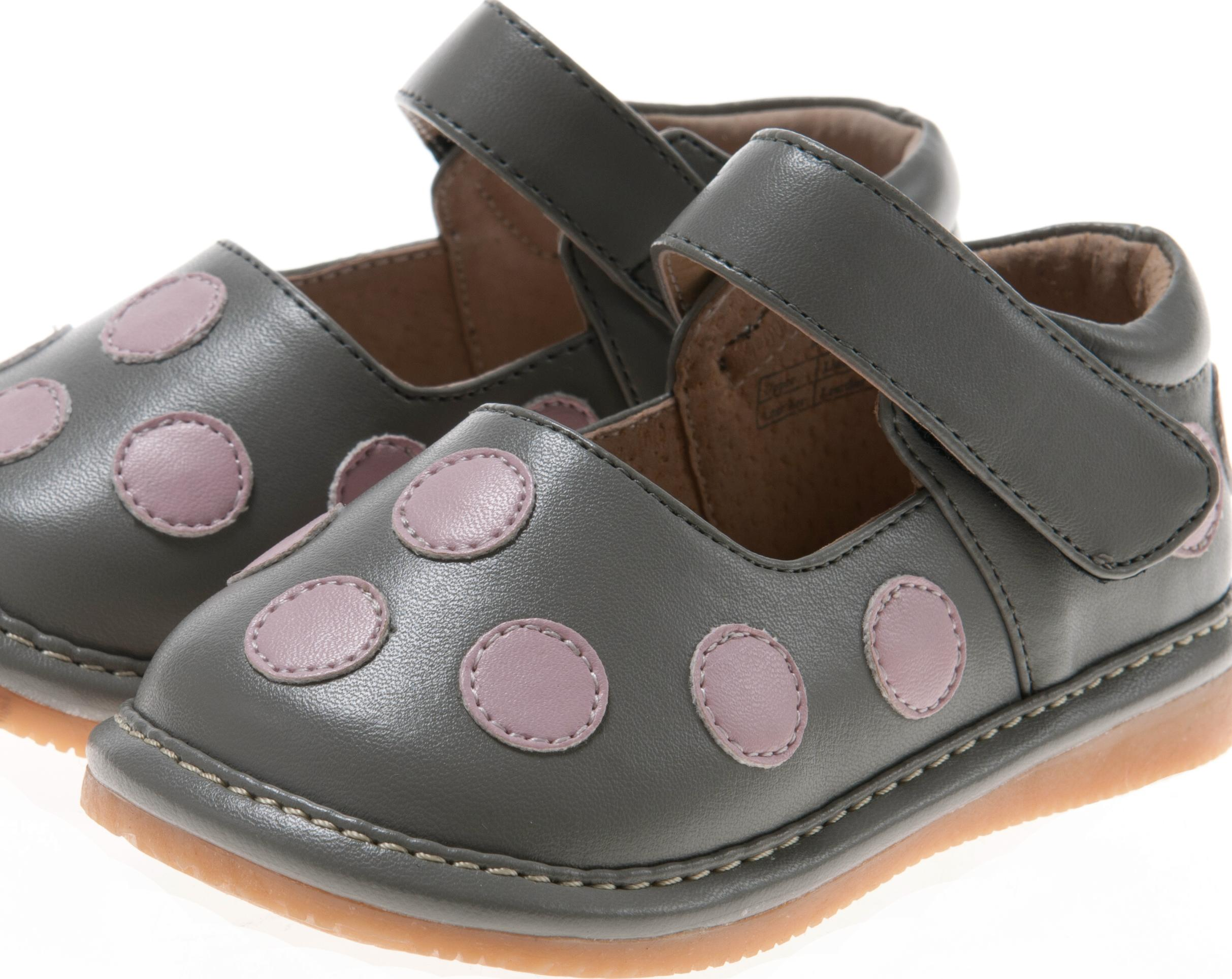 Dot Squeaky Shoes