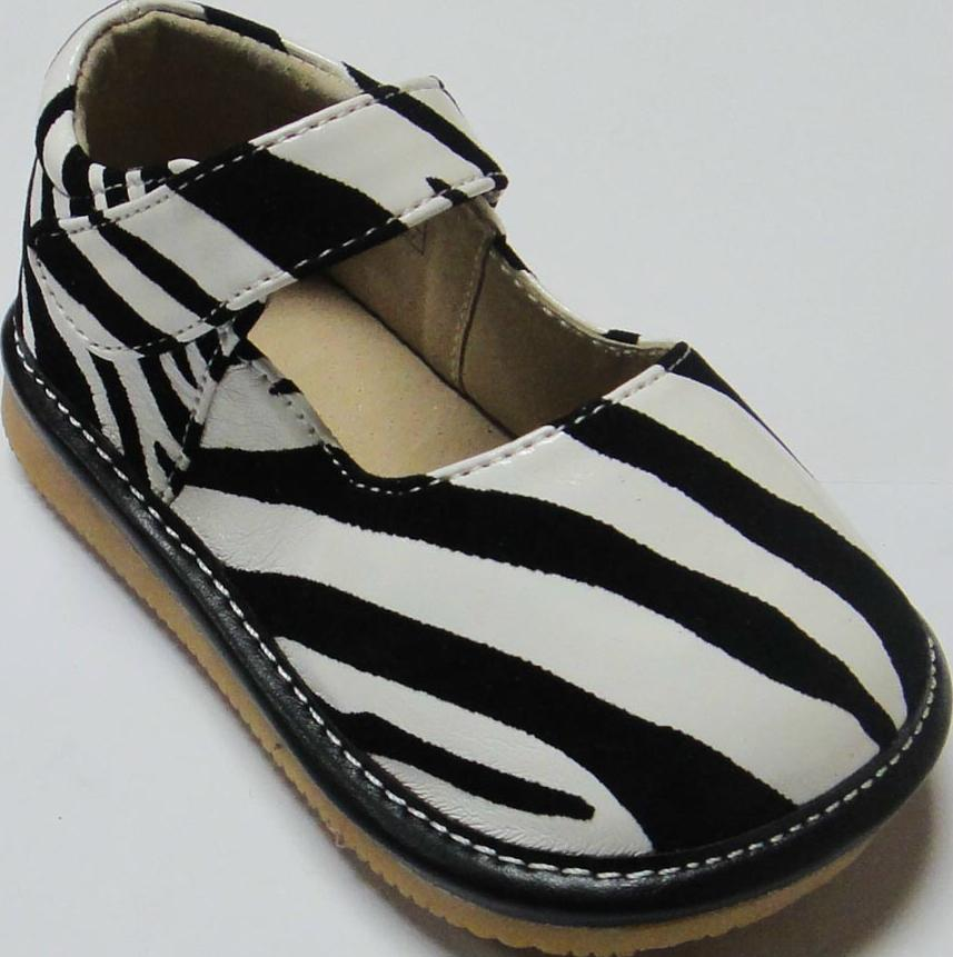 leather sandals squeak walking sandals